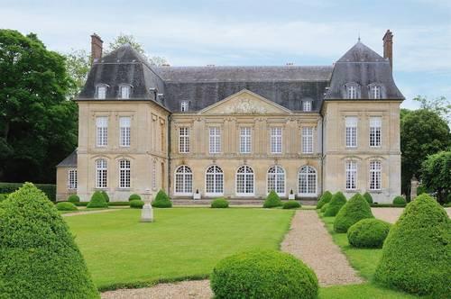 Loue logement Classé Monument Historique 80km Paris 6couchages- Boury-en-Vexin (60)