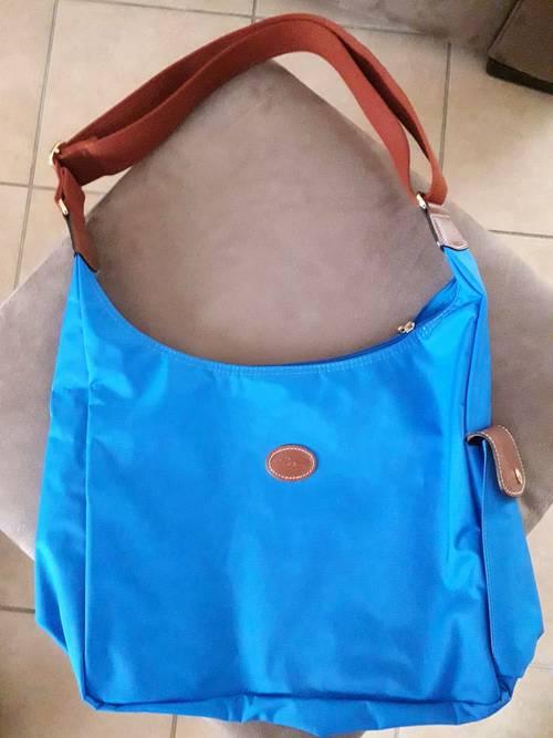 Vends sac Longchamp porté travers NEUF