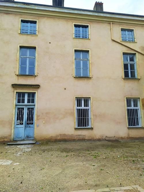 Loue appartement deux-pièces 42m² entièrement rénové - Trévoux (01)