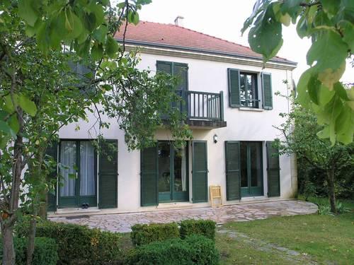 Loue maison à Chatou (78) - 4/5chambres, 160m²