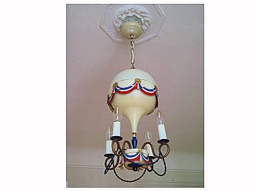 Lustre suspension Montgolfière en métal aux couleurs de la France