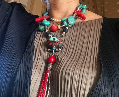 Magnifique collier pierres et perles