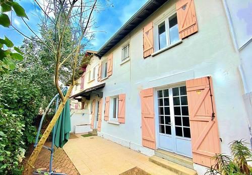 Vends maison T4Arcachon (33) à rafraîchir 75m²