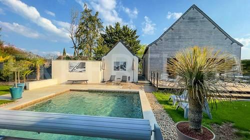 Vends Maison d'architecte de 168m² avec piscine, 4chambres à 15mn de Tours