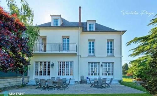Vends maison bourgeoise sur les remparts de Pontoise (95) - 6chambres, 310m²