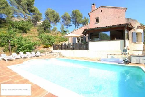 Loue maison piscine 7chambres dans site naturel à Aix en Provence (13) - 16couchages