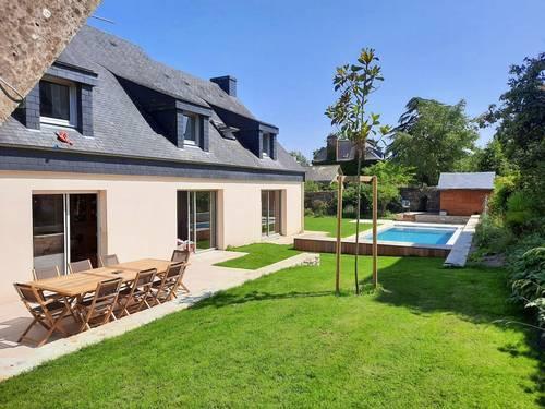 Loue maison de famille avec piscine: 15couchages, 7chambres Vannes (56)