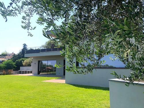 Loue Maison à Nice (06) -Vue mer-6couchages-300m²- Piscine