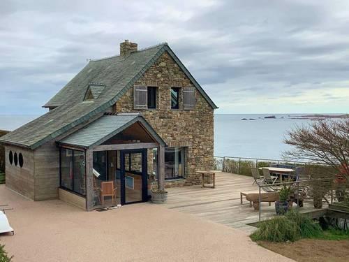 Propose Maison vue EXCEPTIONNELLE surplombant la mer - 3chambres