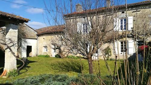 Loue maison familiale ancienne en Charente Vindelle (16) - 3chambres 6couchages