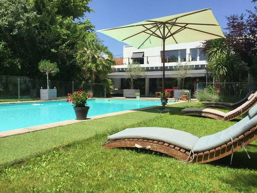Loue maison familiale Bordeaux (33) avec grand jardin et piscine - 5chambres, 10couchages