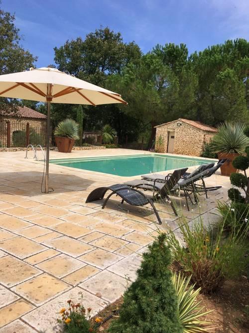 Maison 5à 6personnes avec piscine en Provence au cœur du luberon