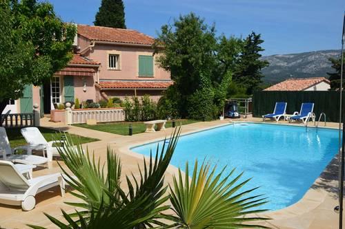 Loue Villa grande piscine 4chambres 8couchages - Aubagne (13)