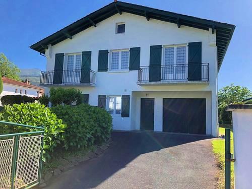 Loue maison de vacances familiale 10couchages - piscine - Ascain village (64)