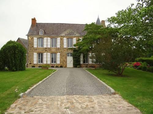 Propose chambres d'hôtes au Manoir de la Provosterie en Mayenne - Ahuillé (53) - 12couchages