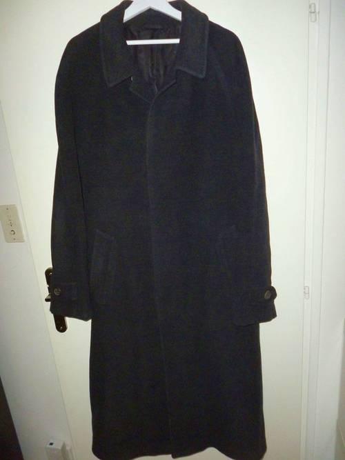 Vends manteau Hugo Boss T.54100% pure laine vierge