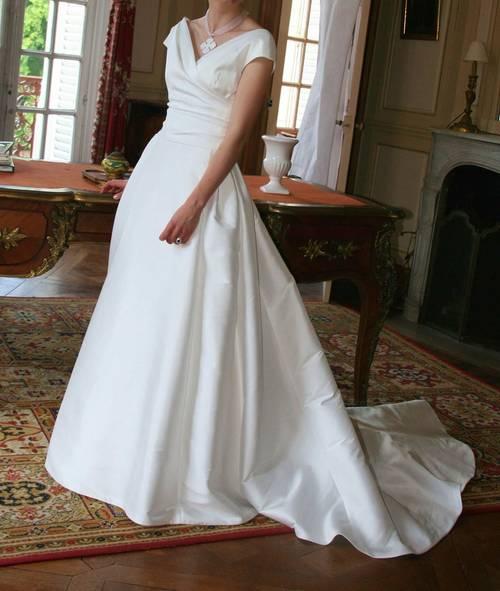 Robe de mariée mikado de soie Jesus Peiro taille 36