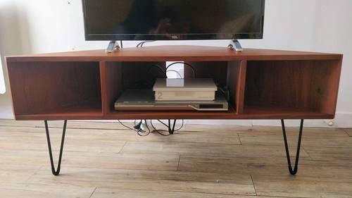 Meuble TV d'angle vintage en très bon état