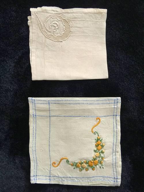 Un mouchoir en soie brodé main plus un sac à couture brodé main