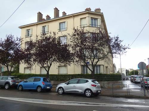 Propose appartement en colocation 4pièces 3chambres 68m² refait à neuf - Nancy proche de la fac de science