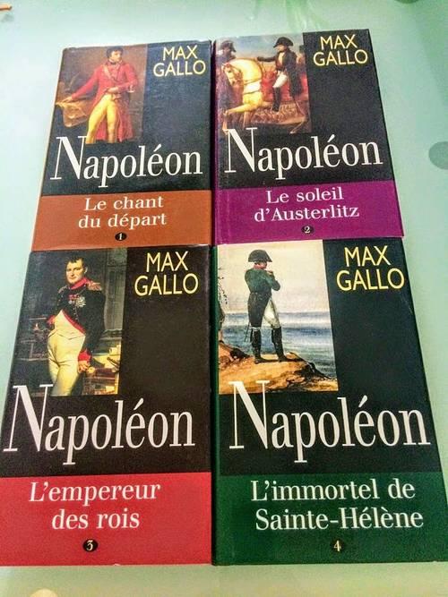 Livre: NAPOLEON de Max Gallo (4tomes). Neufs
