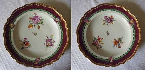 Paire d'assiettes en porcelaine de Meissen 18è période Marcolini fleur