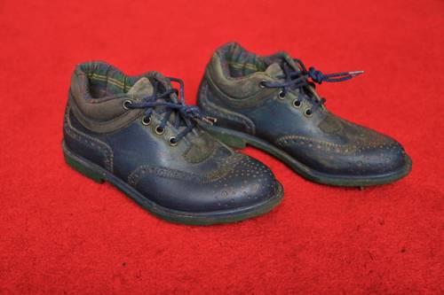 Paire chaussures de golf vintages en 36