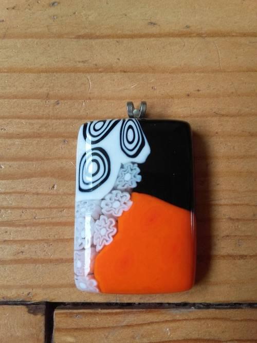 Pendentif en verre de Murano blanc, noir & orange, Neuf