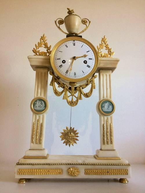 Pendule Style Louis XVI