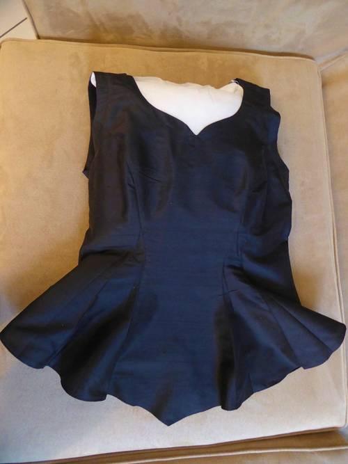 Haut noir 100% soie marque Xavanne excellent état (porté 1fois) - Taille S