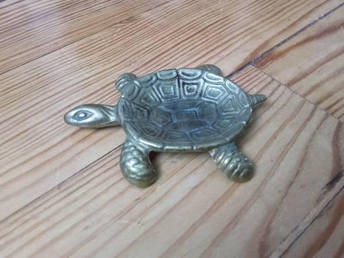 Petit cendrier / vide-poche « tortue » en métal doré