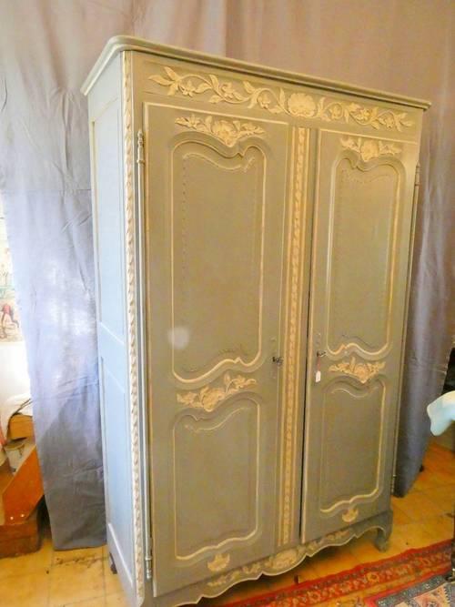 Petite armoire relookée