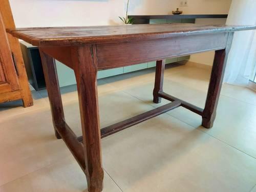 Petite table 17ème siecle
