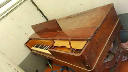 Piano carre PETZOLD n°735acajou ivoire de 1810