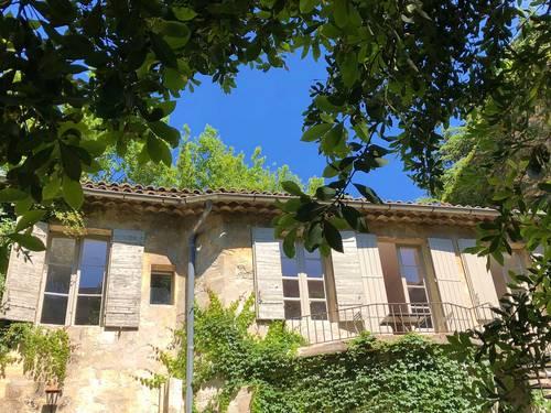 Loue 2pièces dans ancienne demeure, 2couchages, Avignon centre (84)