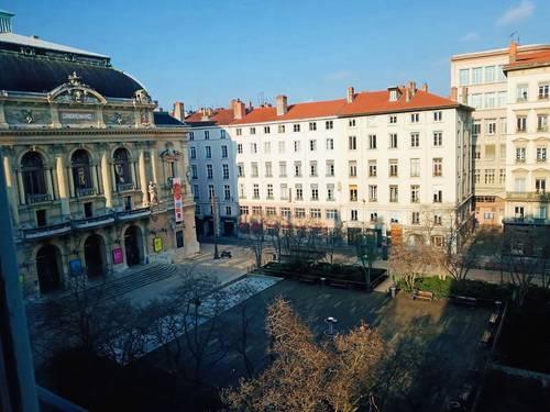 Loue T3à Lyon 2ème- Place des Célestins - 56m²