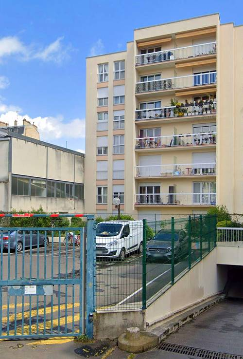 Loue place de parking extérieur - Asnières-sur-Seine (92) - 12m²