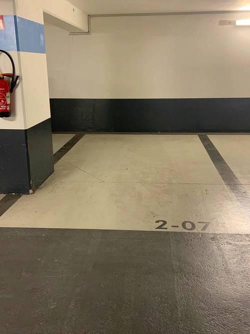 Loue Place de Parking sécurisé Nanterre-Université - 8m²