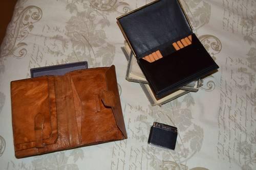 Vends lot portefeuille en cuir + porte-cigarettes en cuir + briquet