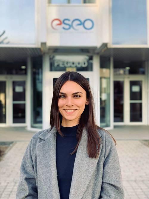 Etudiante ingénieure propose aide aux devoirs à Rome/Batignolles Paris
