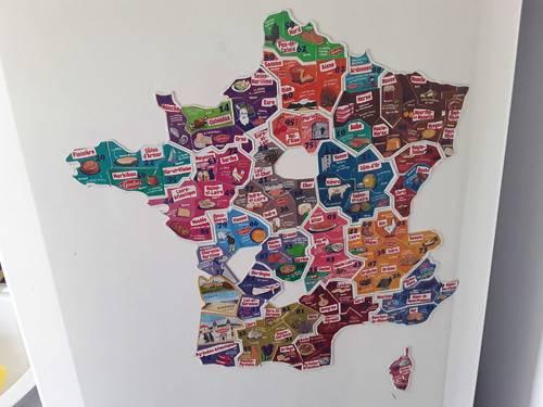 """Propose d'échanger des magnets """"le Gaulois"""" de la carte de France"""