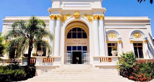 Propose un palais inscrit au patrimoine des monuments historique -PACA
