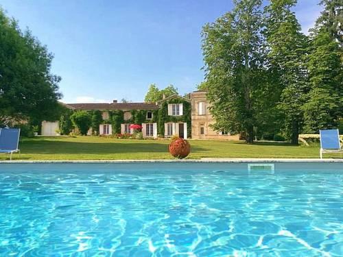 Propose Chambres d'hôtes près Saint Emilion. 4chambres, 8couchages, piscine