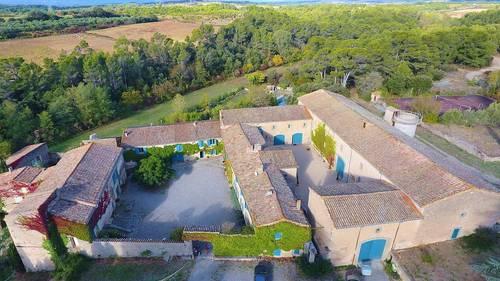 Loue Domaine de charme dans le Midi, de très grande capacité, proche de Carcassonne