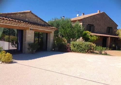Loue Mas provençal 12couchages dans le Luberon avec grande piscine