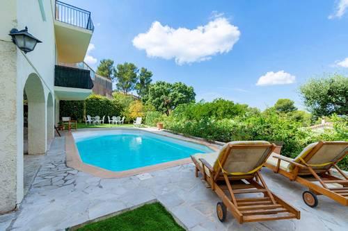 Loue Aix en Provence (13) belle maison, piscine, vue, calme - 4chambres, 6couchages