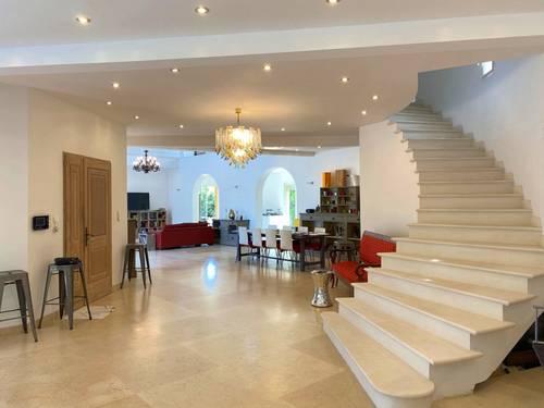 Vends maison d'architecte 408m² - 4chambres - proche du centre - Aix-en-Provence (13)