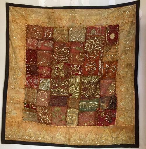 Rares panneaux en patchwork de saris anciens