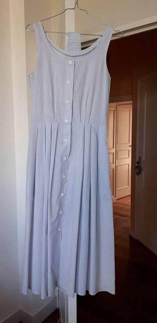 Robe T38, rayures fines bleu et blanc