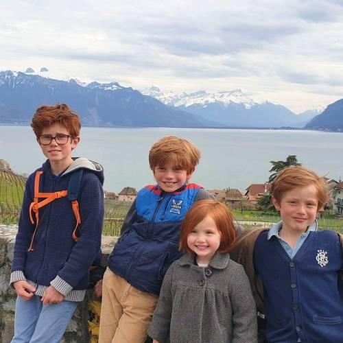 Recherche de nounou / Famille de 4enfants à Divonne les Bains